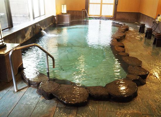 大丸温泉・大丸温泉旅館/女湯の内湯「桜の湯」