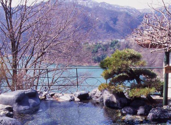 猿ヶ京温泉・猿ヶ京ホテル/露天風呂「瑠璃の湯」