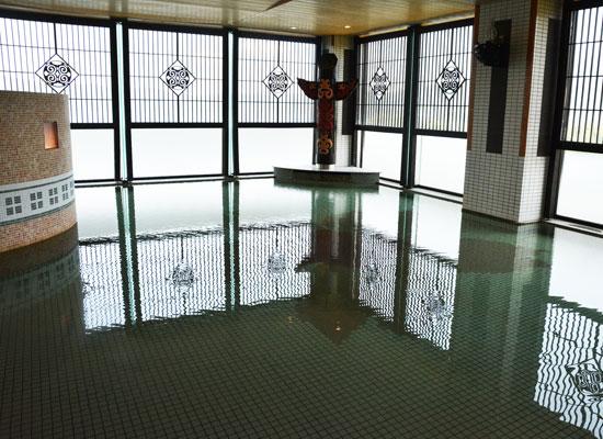 .阿寒湖温泉・あかん遊久の里鶴雅/展望大浴場