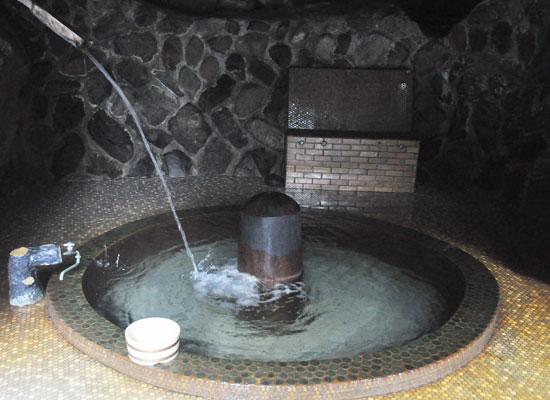 十谷上湯温泉・源氏の湯/かじかの大岩風呂