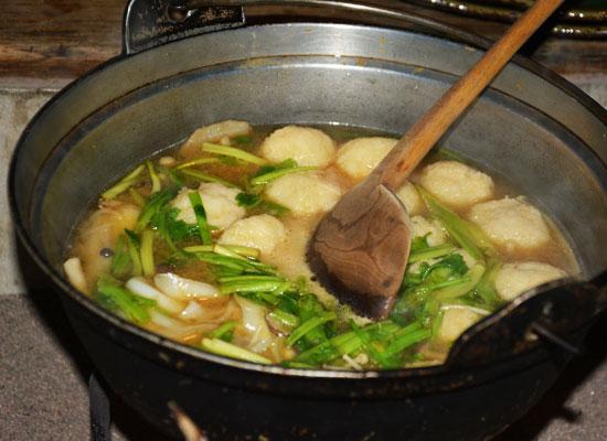 鶴の湯温泉/山の芋鍋