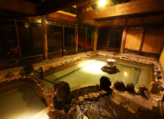 栃尾又温泉・自在館/共同浴場の霊泉「したの湯」