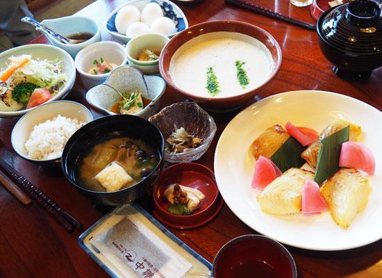 中棚温泉・中棚莊/朝食の一例