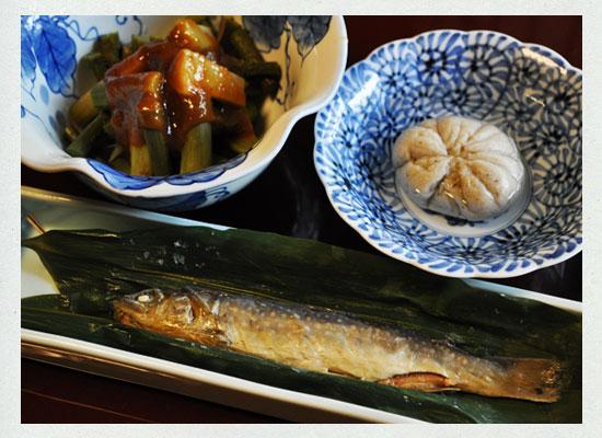 小梨の湯笹屋/そばがきと岩魚の笹巻き