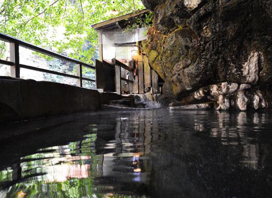 壁湯温泉・旅館福元屋/混浴・露天風呂・天然洞窟風呂