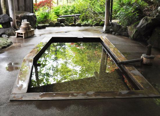 東鳴子温泉・旅館大沼/2母里の湯(貸切露天)