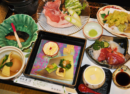 東鳴子温泉・旅館大沼/夕食一例