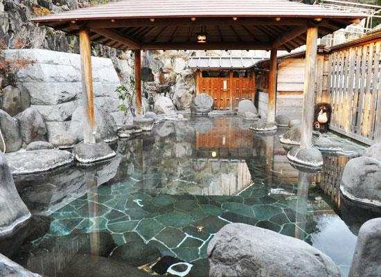 桜田温泉・山芳園/混浴・大露天風呂