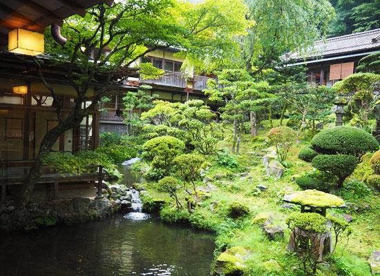 東山温泉・向瀧/庭園