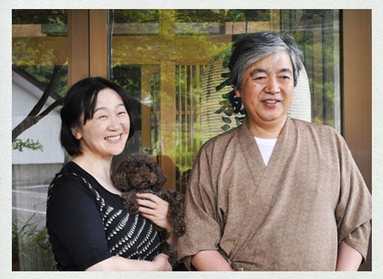 遠藤淳一・玲子夫妻と愛犬くるみちゃん