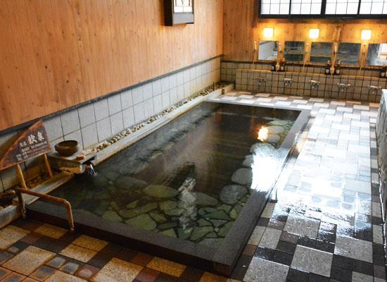 岩井温泉・岩井屋/内湯「源泉長寿の湯」