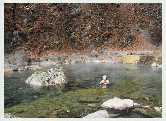 尻焼温泉/長笹沢川の河原の露天風呂