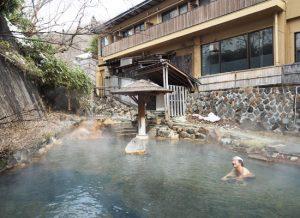 大丸温泉・大丸温泉旅館/川の湯(混浴露天風呂)