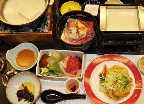 猿ヶ京温泉・猿ヶ京ホテル/夕食「豆富懐石」
