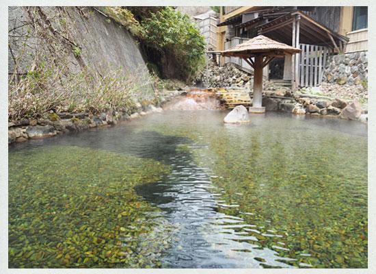 大丸温泉・大丸温泉旅館/名物「川の湯」