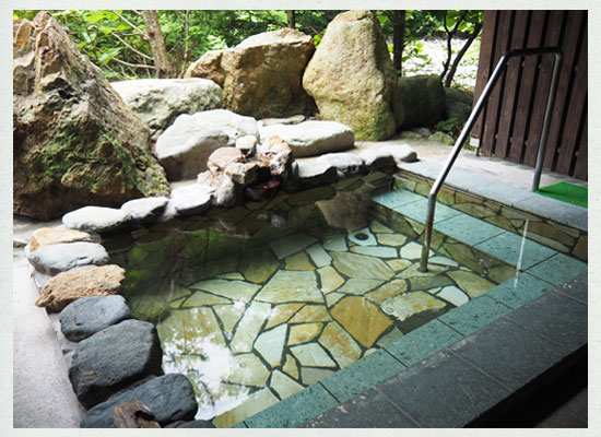 川古温泉・浜屋旅館/女湯の露天風呂