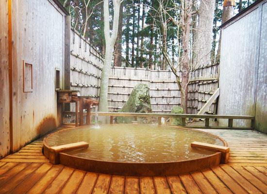 強首温泉・樅峰苑/貸切露天風呂「大樹の湯」
