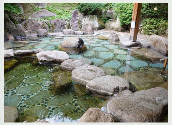村杉温泉 風雅の宿 長生館/露天風呂「白帝」